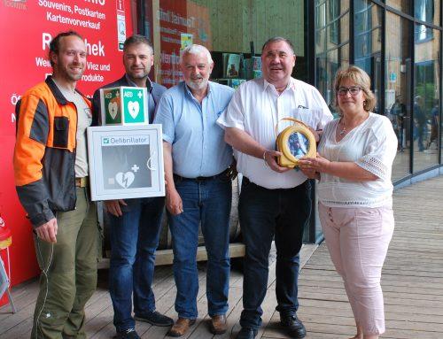 Defibrillatoren an Gemeinde Mettlach übergeben