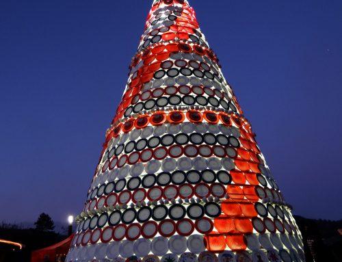 Kindermalaktion für keramischen Weihnachtsbaum am 21. Oktober