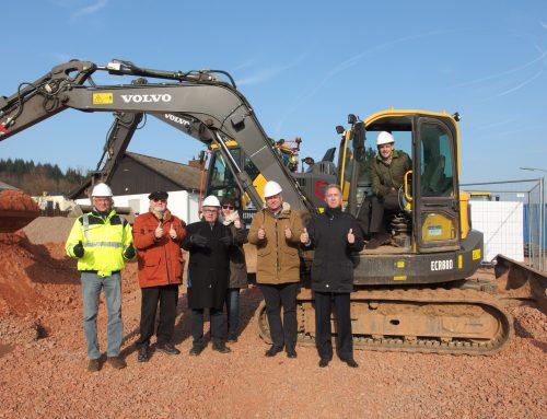 Spatenstich zum Neubaugebiet im Ortsteil Mettlach – 23 Baustellen werden neu erschlossen